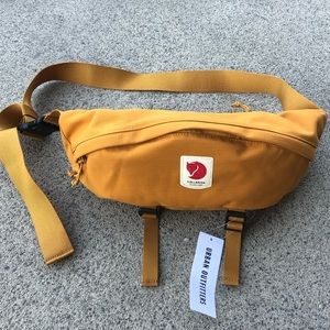 NWT Fjallraven Ulvo Large Hip Pack Bag